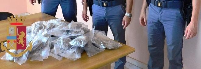 Da Napoli alla Versilia con 10 chili di droga nascosti nella ruota di scorta