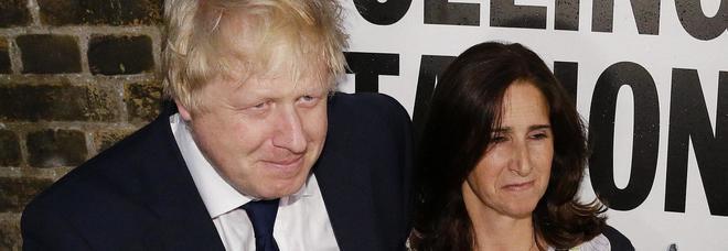 Boris Johnson divorzia dalla moglie dopo 25 anni. Il Sun: «Lui la tradiva, lei lo ha cacciato di casa»