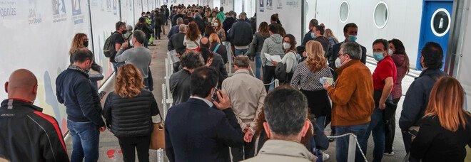 Covid in Campania, oggi 1.331 positivi e 38 morti: l'indice di contagio scende al 7,67%