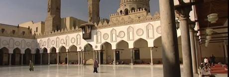 Attentato suicida al Cairo, tra le vittime due poliziotti