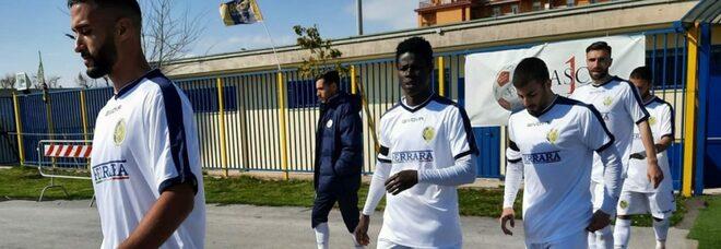Rivoluzione Giugliano: via sei giocatori alla vigilia del derby con l'Afragolese