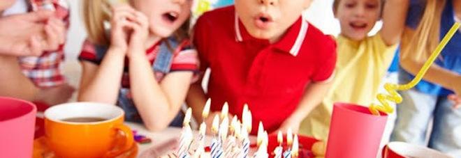 Covid, sport, torte di compleanno e parchi giochi: cosa è meglio evitare per i bambini