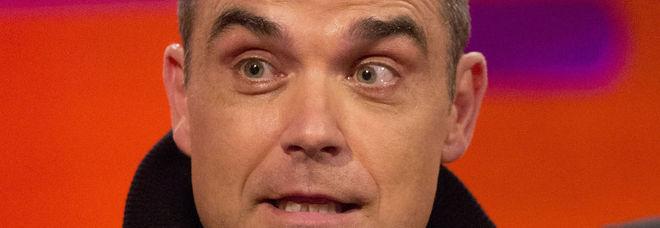Robbie Williams choc: «Ho grossi disturbi, temo di avere la sindrome di Asperger»