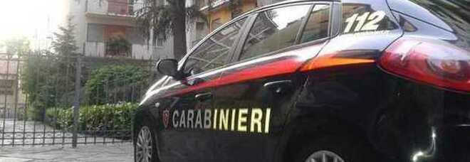 Donna uccisa a coltellate in casa a Lucca: fermato il marito