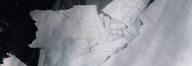 Iceberg enorme si stacca dall'Antartide: è grande quanto Malta. L'Esa: «Allarme climatico»