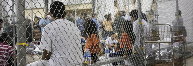 Trump, pronta la misura per riunire le famiglie dei migranti