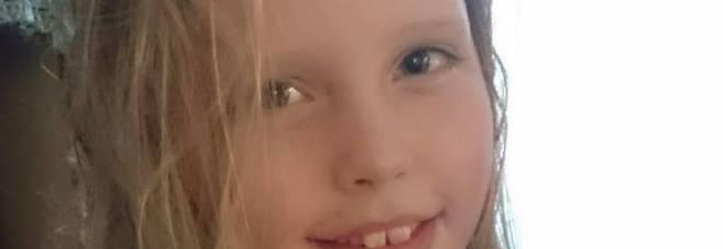 Muore di tumore a 11 anni, lo stesso male che uccise la mamma 6 anni prima: il commovente post del papà
