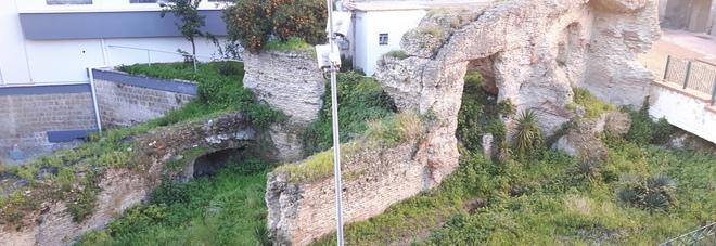 Pozzuoli, in abbandono le terme romane di via Ragnisco