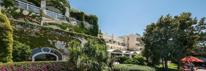 Hotel di lusso in vendita, la City di Londra punta a Ischia e il Capri Palace va a un gruppo di Dubai