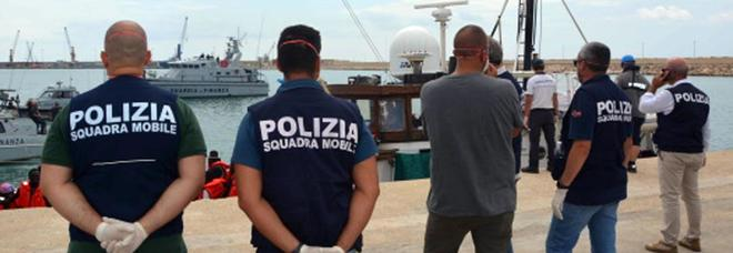 Migranti, Farnesina: «Uffici Ue in Africa». Ed è scontro con l'Ungheria
