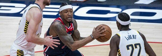 Nba, Westbrook e Beal regalano la vittoria ai Wizards, bene anche Jazz e Warriors: i risultati