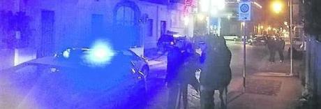 Pomigliano, casa Di Maio assediata: gli operai si incatenano