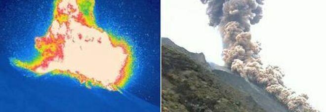Stromboli, forte esplosione dal cratere: nube nera sull'isola, pioggia di cenere sulle case