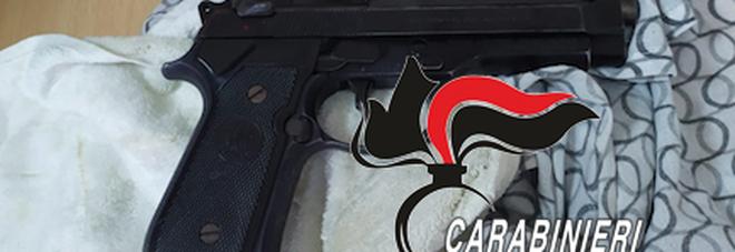 Parco Verde di Caivano, perquisizioni e controlli a tappeto: sequestrata una pistola