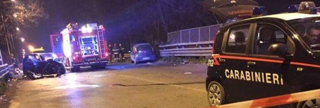 Auto travolge pattuglia carabinieri, due morti e 3 feriti nel Napoletano