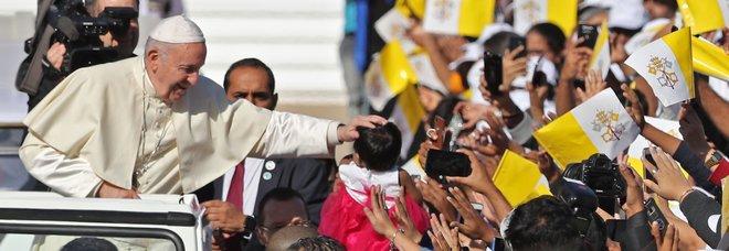 Papa Francesco ad Abu Dhabi esorta i cristiani alla mitezza: non fate crociate