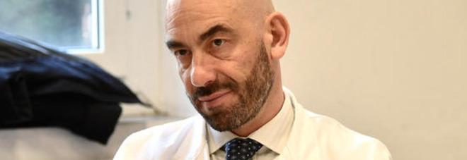 Covid, l'infettivologo Bassetti: «Salvi tra 6 mesi? Vivremo col virus per anni»