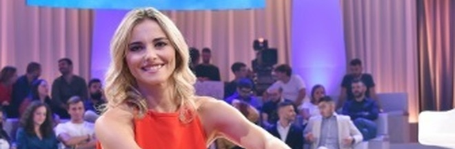 """""""Da noi… a ruota libera"""": Francesca Fialdini torna la domenica pomeriggio con un programma tutto suo"""