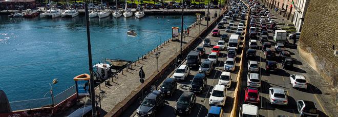 Napoli, corso Vittorio Emanuele tra dissuasori e limiti di velocità: «Così paralisi inevitabile»