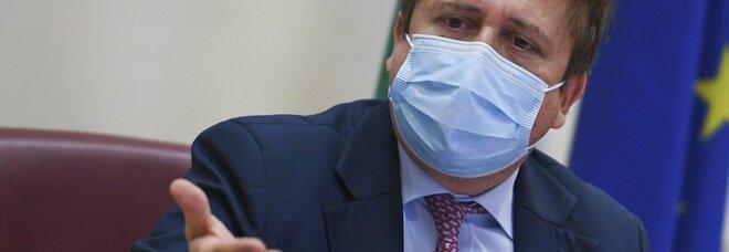 Sileri: «Il virus altri 10 anni? Una baggianata, abbiamo quasi vinto la guerra»