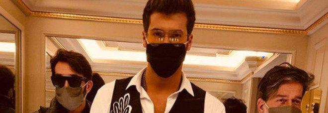 Can Yaman in Italia, fan in delirio a Milano in vista dell'intervista a Verissimo