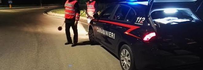 Roma, forza il posto di blocco e trascina per alcuni metri un carabiniere: arrestato
