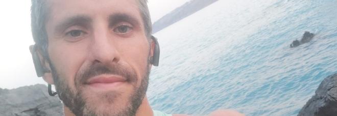 Simone, runner morto in un dirupo: multa di 400 euro all'amico che ha cercato di salvarlo. «Ha violato il dpcm»