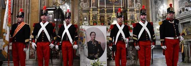 La cerimonia per la commemorazione di Francesco II