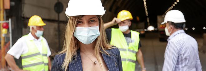 Comunali a Napoli, Alessandra Clemente si dimette: mezza giunta in uscita