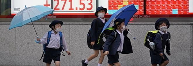 Maschi troppo timidi, la Cina rimedia: a scuola arrivano i corsi di ginnastica con gli insegnanti uomini