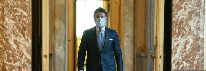 Conte accetta le dimissioni di Bellanova e Bonetti: «Da Iv un danno al Paese»