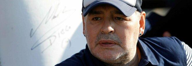 Maradona, l'autopsia: «Insufficenza cardiaca ha generato un edema del polmone»