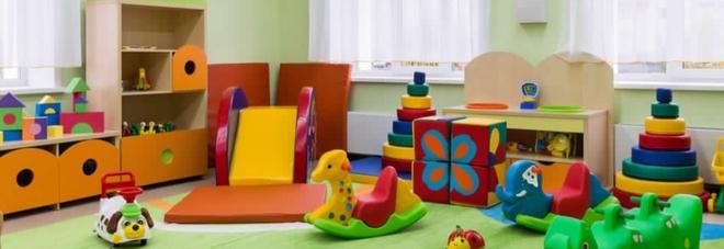 Violenze su bimbi di 3 anni alla scuola materna: arrestata maestra assunta per emergenza Covid