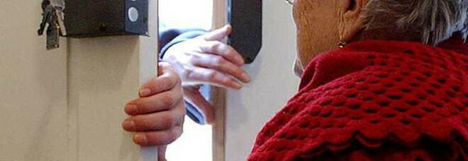 «Tuo marito è nei guai», anziana truffata a Marano: consegna oro e mille euro a finto avvocato