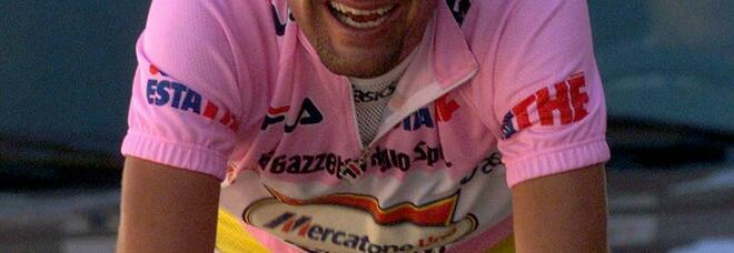 Marco Pantani, il grande ciclista è morto nel 2004