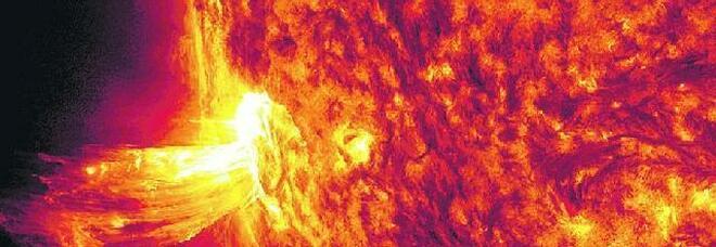 Sole, eruzioni al massimo: boom di aurore boreali ma i satelliti vanno in tilt