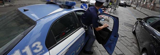 Napoli folla di extracomunitari aggredisce polizia per un for Il mattino di napoli cronaca
