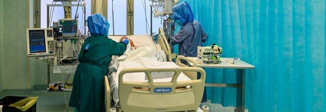 Covid, «pressione alta su ospedali e tanti morti». Gimbe: calo contagi lento effetto misure inferiori a lockdown