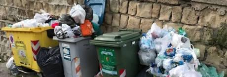 È emergenza rifiuti alla Gaiola: «Deturpata la cartolina di Napoli»