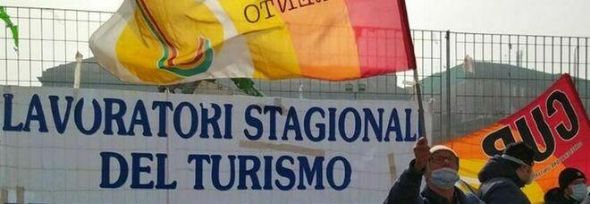 Amalfi, la protesta dei lavoratori del turismo: «Chiediamo lavoro e dignità per tutti»