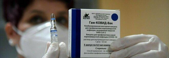 Sputnik, la Germania tratta per il vaccino. Mosca: «Pronte 20 milioni di dosi tra luglio e settembre»