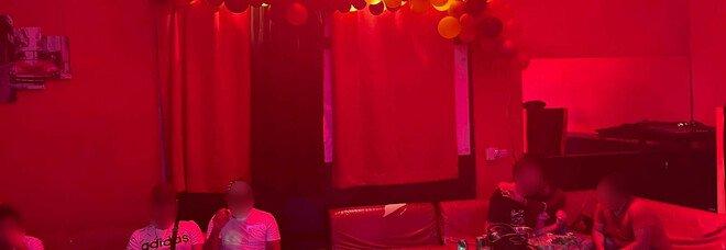 Tor Fiscale, chiusa discoteca abusiva a Roma: coca, alcol e balli senza mascherine