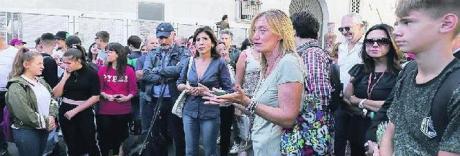 Napoli ostaggio dei clan: così bulli e scippatori scorrazzano nel vuoto