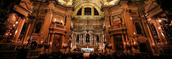 Napoli, San Gennaro senza soldi: scatta il ticket per i turisti