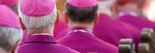 Diocesi di Colonia, il cardinale Woelki cede e pubblica l'elenco degli abusi: «Mi vergogno»