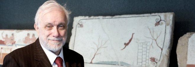 Luciano De Crescenzo compie 90 anni: «Gomorra? Napoli è ancora l'ultima speranza dell'umanità»