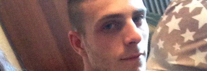 Schianto in moto, Giuseppe muore a 24 anni: grave la fidanzata. Il dolore su Fb: «Avevi tutta la vita davanti»