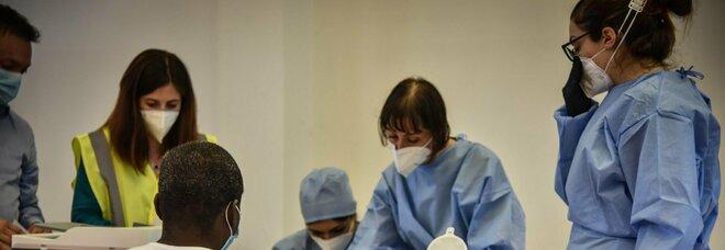 Vaccini, in Italia uno su due ha ricevuto le due dosi: in totale oltre 27 milioni di cittadini