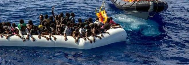 Migranti, naufragio al largo della Tunisia: almeno 43 morti