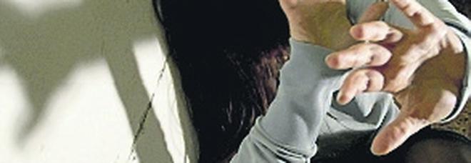 Stalking a Napoli, divieto di avvicinamento alla sua ex per un poliziotto